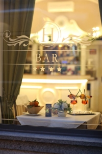 finestra bar